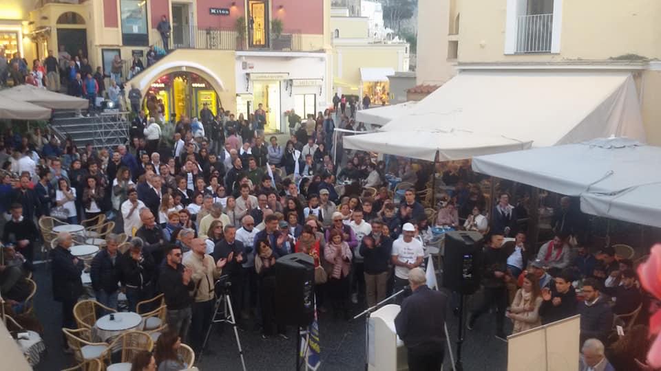 GALLERY – Comizio finale di Capri Vera in Piazzetta